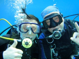 Matthew Atkins conducting a Discover Scuba Diving experience in Cozumel